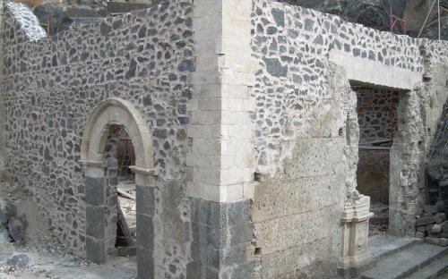 Prospetto esterno chiesa Madre antica